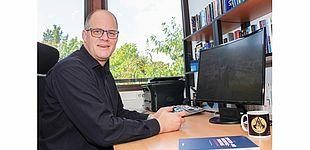 Foto (Universität Paderborn, Simon Ratmann): Prof. Dr. Jörg Müller-Lietzkow hat seit 2008 den Lehrstuhl für Medienökonomie und Medienmanagement an der Universität Paderborn inne.