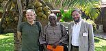 Foto: Dr. Hans Peter Klemme, Prof. Dr. Serge Glitho und Prof. Dr. Michael Hofmann auf der Tagung in Lomé/Togo.
