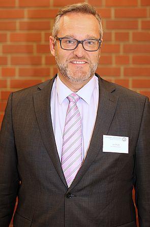 Foto: OStDirektor Jan Pfülb, Schulleiter des Berufskollegs Erkelenz.