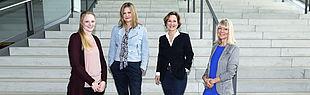 Mitarbeiterinnen der Stabsstelle Marketing (v.l.): Leonie Oberheuser, Nicola Danielzik, Dr. Christina Cramer und Ramona Wiesner.