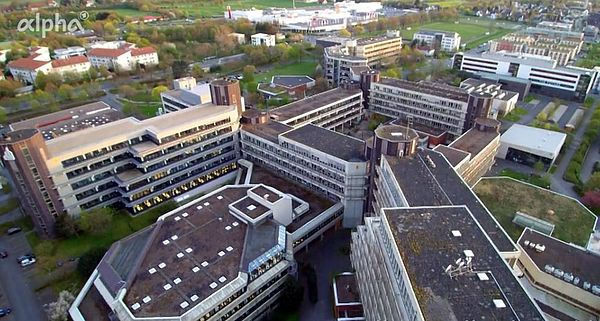 Foto (ARD-alpha/qwellcode gmbh): In seinem Film stellt der TV-Sender ARD-alpha die Uni Paderborn vor.