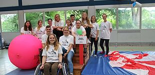 Foto (Universität Paderborn): Studierende der Uni Paderborn (Gruppe 1)