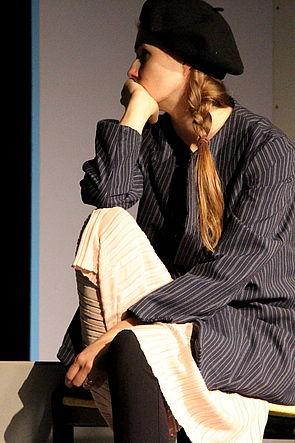 Die nachdenkliche Lotte-Lisa Meierkord spielt die Protagonistin.