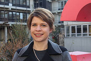 Foto (Universität Paderborn): Prof. Dr. Bettina Kohlrausch von der Universität Paderborn untersucht soziale Abstiegsängste.