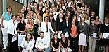 Foto (Stefan Freundlieb): Freuen sich über ihren Studienabschluss und auf ihre künftige Berufstätigkeit: Lehramtsabsolventinnen und -absolventen der Universität Paderborn.