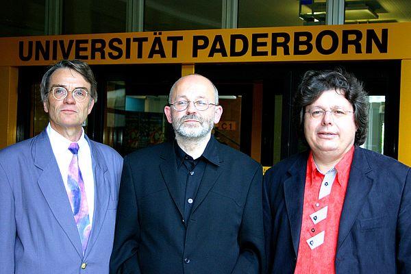 Foto (Stefan Freundlieb): Dekan Prof. Dr. Frank Göttmann, Dr. phil. h.c. Andreas Mertin und Prof. Dr. Harald Schroeter-Wittke