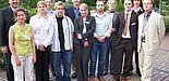 Foto: Die Teilnehmerinnen und Teilnehmer des business update mit dem Schirmherrn Theo Kueke, Direktor der Deutschen Bank Paderborn (v.l.) und den Veranstaltern Marie Charlotte Kickelbick von UNICONSULT (2. v.l.), Jürgen Geisler, Prokurist der Technologie