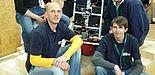 Foto (GET Lab, Dirk Fischer): Erfolgreich: Das GETbot-Team 2012, bestehend aus Muhannad Mujahed (v. l.), Timo Korthals, Dirk Fischer, Zaheer Aziz, Florian Frings und Heinrich Drobin, holte den dritten Platz bei den RoboCup German Open.