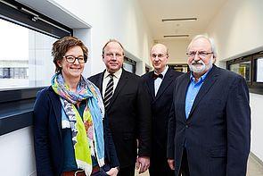 Foto (Universität Paderborn, Judith Kraft): Die Organisatoren der internationalen Mathetagung an der Universität Paderborn Prof. Dr. Uta Häsel-Weide, Prof. Dr. Helge Glöckner, Prof. Dr. Jürgen Klüners und Prof. Dr. Rolf Biehler.
