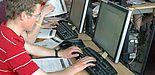 Foto (Universität Paderborn, Institut für Mathematik): Beim Workshop Computertomographie lernen Schülerinnen und Schüler viele mathematische Modelle, die für dieses unverzichtbare Hilfsmittel der modernen Medizin nötig sind.