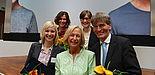 Foto: Die Preisträger vom Studienfonds OWL mit der Bundesministerin für Bildung und Forschung Johanna Wanka.