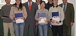 Foto (Universität Paderborn): Von links: Die Stipendiaten mit ihren Hochschullehrern: Lijun Wang, Lu Yao, Prof. Dr.-Ing. Detmar Zimmer Zhencheng Fang, Na Wang, Zhenpeng Sun sowie Song Ren und Dr. Josef Noeke.