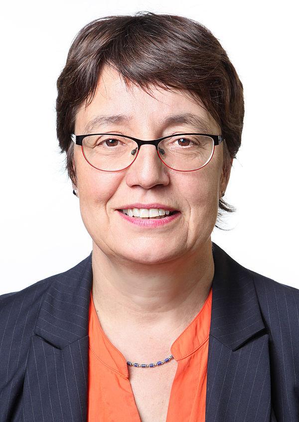 Foto (Nora Gold): Prof. Dr. Birgitt Riegraf, Präsidentin der Universität Paderborn