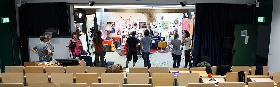Media workshop in the IMT: rehearsals for a live show