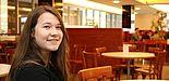 Foto (Universität Paderborn, Alexandra Dickhoff): Förderung für den wissenschaftlichen Nachwuchs: Lehramtsstudentin Wiktoria Skierka (20) erhält das diesjährige Deutschlandstipendium der Universitätsgesellschaft und der Stiftung Studienfonds OWL.