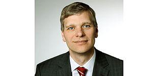 Foto (Universität Paderborn): Prof. Dr.-Ing. Volker Schöppner von der Universität Paderborn überzeugte mit seinem Projekt zu umweltfreundlichen Flammschutzmitteln.