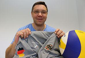 Foto (Heiko Appelbaum): Paderborner Kompetenz: Uli Kussin war in Taipeh Mitglied einer deutschen Delegation, die den Volleyball-Sport fördern will.