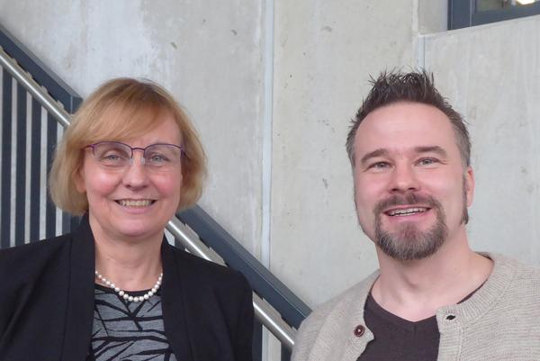 Foto (Universität Paderborn): (v. l.) Prof. Dr. Kirsten Schlegel-Matthies und Prof. Dr. Matthias Bauer.