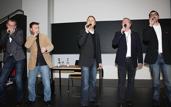Foto (Universität Paderborn, Patrick Kleibold): Die Unbewegten Männer begleiteten musikalisch die Begrüßungsveranstaltung am Tag der Lehre.