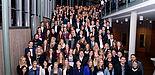 Foto (Universität Paderborn, Andreas Schwarze): Die Absolventinnen und Absolventen der Ersten Staatsprüfung und des Bachelor of Education