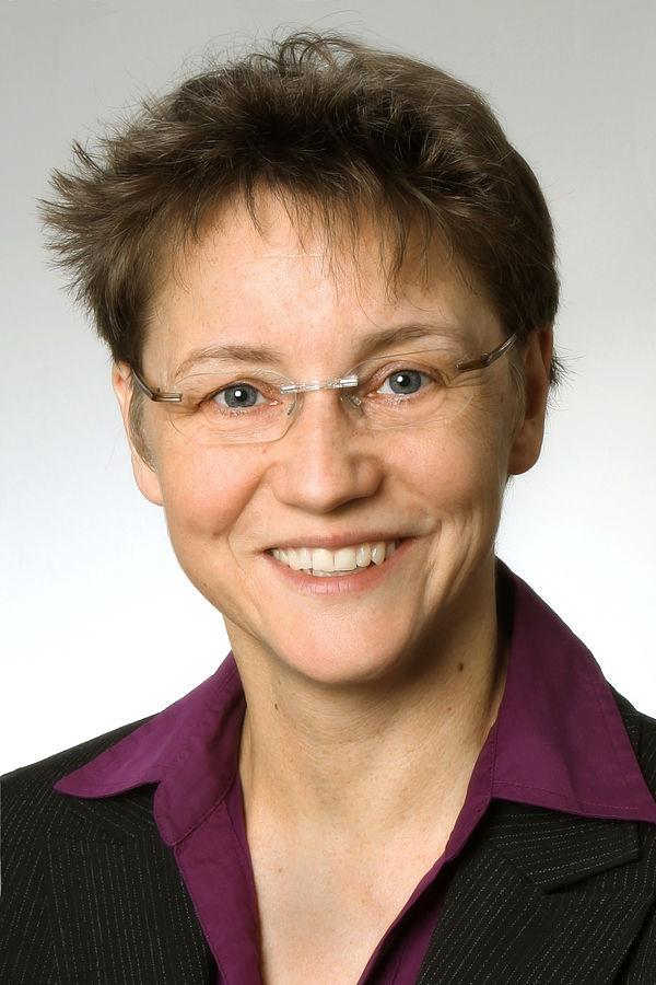 Foto (Universität Paderborn): Prof. Dr. Gudrun Oevel, Chief Information Officer der Universität Paderborn und Leiterin des Zentrums für Informations- und Medientechnologien (IMT)