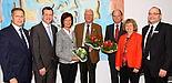 Foto (Universität Paderborn, Patrick Kleibold): Der neue und der bisherige Vorstand: Bernhard Dorenkamp (v. l.), Dr. Andreas Siebe, Barbara Tigges-Mettenmeier, Prof. Dr. Steffen Gronemeyer, Dr. Friedrich Keine, Heike Käferle und Wolfgang Walter.