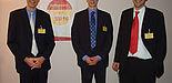 Foto (Holger Ploch): Drei Paderborner Diplomanden holten die ersten Preise (v. l.): Jens Heipmann, (2. Platz), Michael Klages (1. Platz) und Karim Dehring (3. Platz).