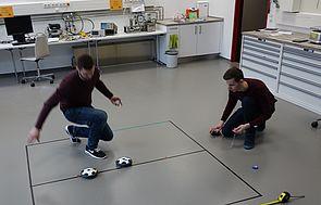 SchülerUni der Universität Paderborn für physikinteressierte Schülerinnen und Schüler