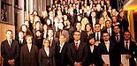 Gruppenfoto (Universität Paderborn): Absolventinnen und Absolventen der Fakultät für Wirtschaftswissenschaften (Gruppe 1)