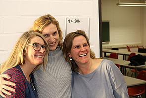 """Foto (Universität Paderborn, Alexandra Dickhoff): Die """"Touris"""" hatten sich viel zu erzählen."""