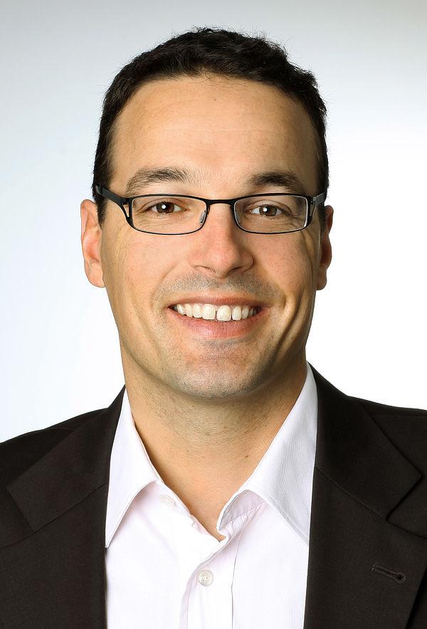 Foto (Universität Paderborn): Prof. Dr. Dennis Kundisch, Inhaber des Lehrstuhls für Wirtschaftsinformatik, insbesondere Digitale Märkte, an der Universität Paderborn