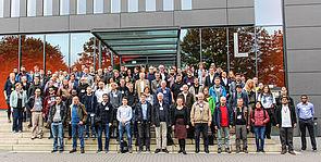 """Foto (Universität Paderborn, Johannes Pauly): Die Teilnehmer der """"18. French-German-Italian Conference on Optimization"""" an der Universität Paderborn."""