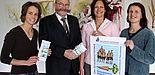 Foto (v. li.): Freuen sich auf die Uni-Gesundheitstage: Jennifer Koch, Uni-Kanzler Jürgen Plato, Sandra Wange und Diana Riedel, Arbeits- und Umweltschutz Uni Paderborn.