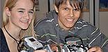 Foto (Universität Paderborn, Simon Beisel): Die Arbeit mit LEGO-Robotern in den Informatik-Workshops der Universität Paderborn macht Schülern viel Spaß.