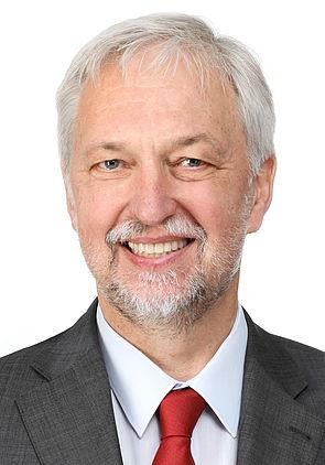 Foto (Universität Paderborn, Adelheid Rutenburges): Prof. Dr. Wilhelm Schäfer