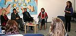 Foto (Peer-Mentoring, Maike Amen): (v. l.) Dr. Nina Hinrichs, Dr. Claudia Auinger, Prof. Dr. Thea Stroot und Prof. Dr. Eva Blumberg wurden von der Projektkoordinatorin zu ihren Entscheidungen befragt.