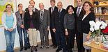Abbildung: Gruppenbild mit Prof. Dr. Nikolaus Risch, Präsident der Universität Paderborn