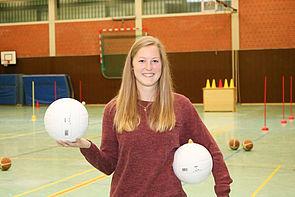 Foto (Universität Paderborn, Alexandra Dickhoff): Sportstudentin Theresa Günther erhält den Emeriti-Preis 2017.
