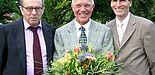 Foto (Stefan Freundlieb): Prof. Dr. Rolf Breuer (li.) und Rektor Prof. Dr. Nikolaus Risch (re.) bei der Abschiedsfeier für Dr. Rolf Franzbecker vom Institut für Anglistik und Amerikanistik