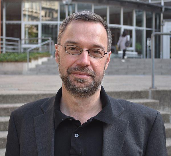 Foto (Universität Paderborn): Prof. Dr. Norbert Otto Eke geht als Visiting Professor in die USA.