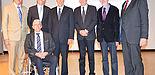 Foto: Die Festredner rund um Prof. Rammig (v.l.n.r.): Prof. Joachim Böcker, Prof. Nikolaus Risch, Prof. Franz Josef Rammig, Prof. Flavio Rech Wagner, Prof. Gerd Szwillus, Prof. Otthein Herzog, Jun.-Prof. Achim Rettberg (vorn)