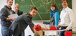 Jungstudierende in der Physik: Wissenschaftliches Arbeiten neben dem Schulalltag