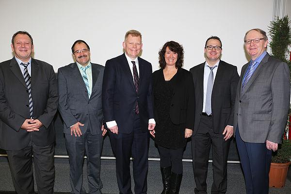 Foto (Dr. Reinhard Schwarz): v. l.: Prof.  Dr. André Uhde, Prof. Dr. H.-Hugo Kremer, thyssenkrupp-CFO Guido Kerkhoff, Prof. Dr. Caren Sureth-Sloane, Prof. Dr. Sönke Sievers (alle Universität Paderborn) und Georg Giersberg (FAZ).