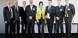 Foto (v.l.): Udo Wiemann (Leiter des Kreisverbands BVMW), Prof. Dr. Wilhelm Schäfer (Vizepräsident für Forschung und wissenschaftlichen Nachwuchs der Universität Paderborn), Carolin Röder (Patentscout UniConsult-Technologietransfer), Prof. Bernd Seel