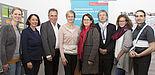 Foto (©Ulrike Schmid; Gruppenfoto, v. l. n. r.): Dr. Friederike von Gross (Universität Bielefeld), Renate Röllecke (Stv. GMK-Geschäftsführung), Jürgen Lauffer (GMK-Geschäftsführer), Jugendministerin Christina Kampmann, Prof. Dr. Dorothee M. Meiste