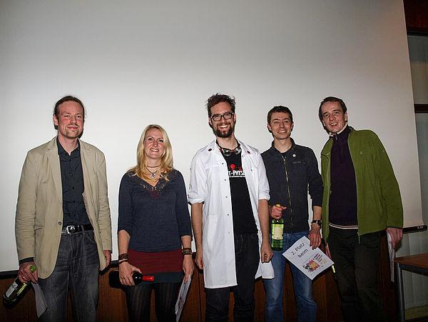 Foto (Bianca Oldekamp): Die Slammer des Abends: (v. l. n. r.) Sebastian Hage-Packhäuser, Lydia Möcklinghoff, Johannes Pauly, Andreas Cord-Landwehr und Holger C. Priebe.