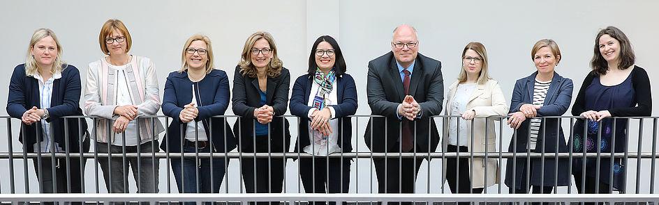 Die Ansprechpartner*innen des Forschungsreferats an der Uni Paderborn  Foto: Universität Paderborn, Adelheid Rutenburges