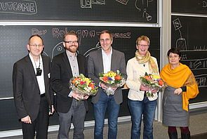 Foto (Universität Paderborn, Björn Heerdegen) : Prof. Dr. Niclas Schaper, Jun.-Prof. Robert Kordts-Freudinger, Prof. Dr. Timm Albers, Prof. Dr. Thea Stroot und Prof. Dr. Birgit Riegraf (v. l.).