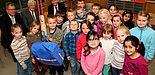 Foto (Patrick Kleibold, Universität Paderborn): Neben der Domschule werden sechs weitere Grundschulen aus dem Kreis Paderborn am Samstag, 6. Juli vor dem Rathaus Experimentierstationen für kleine Forscher vorstellen.