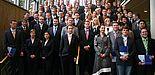 Foto: Im Auditorium maximum der Universität Paderborn feierten 80 Absolventinnen und Absolventen der Fakultät für Maschinenbau ihren erfolgreichen Hochschulabschluss mit Angehörigen, Freunden und Vertretern der Fakultät.